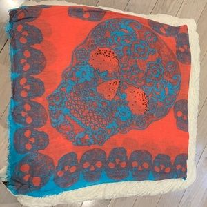 Women's express skull scarf